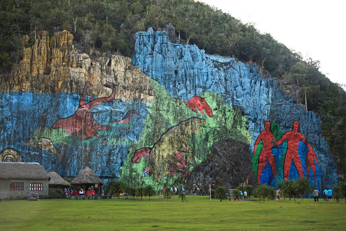 Falling for cuba for Mural de la prehistoria
