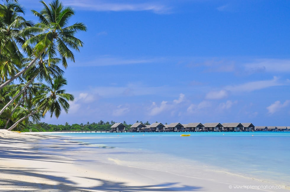 Luxury hotel Shangri-La  beach