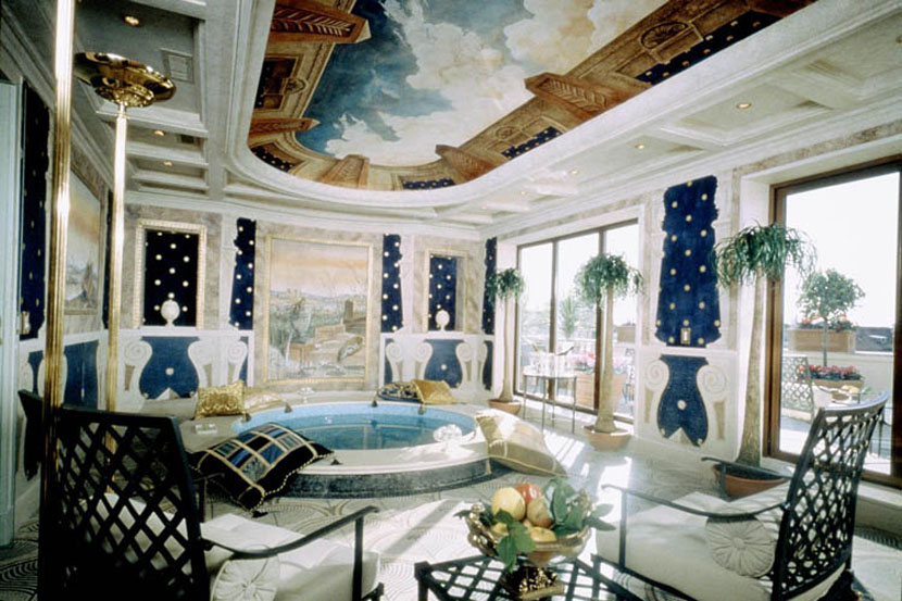 The two-storied luxe room in Rome