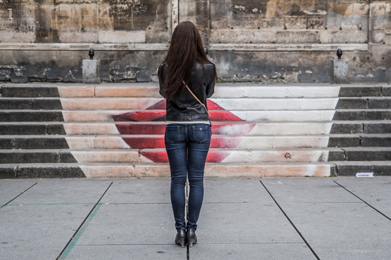 Paris urban art girl wallpaper