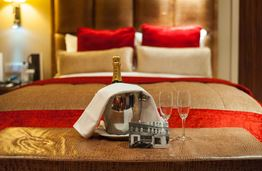 The May Fair Hotel: the Place to Enjoy Life in London with a Royal Touch