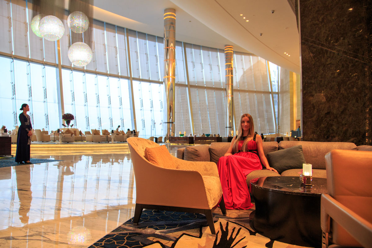 Relaxing in Jumeirah Etihad Towers lounge