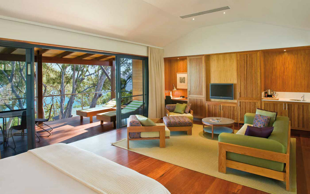 Luxury Qualia Leeward Pavilion