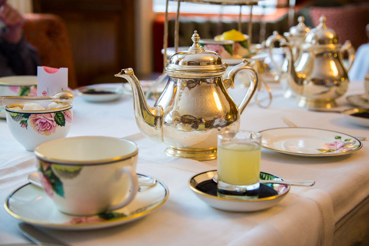 Afternoon tea in Brown's Hotel