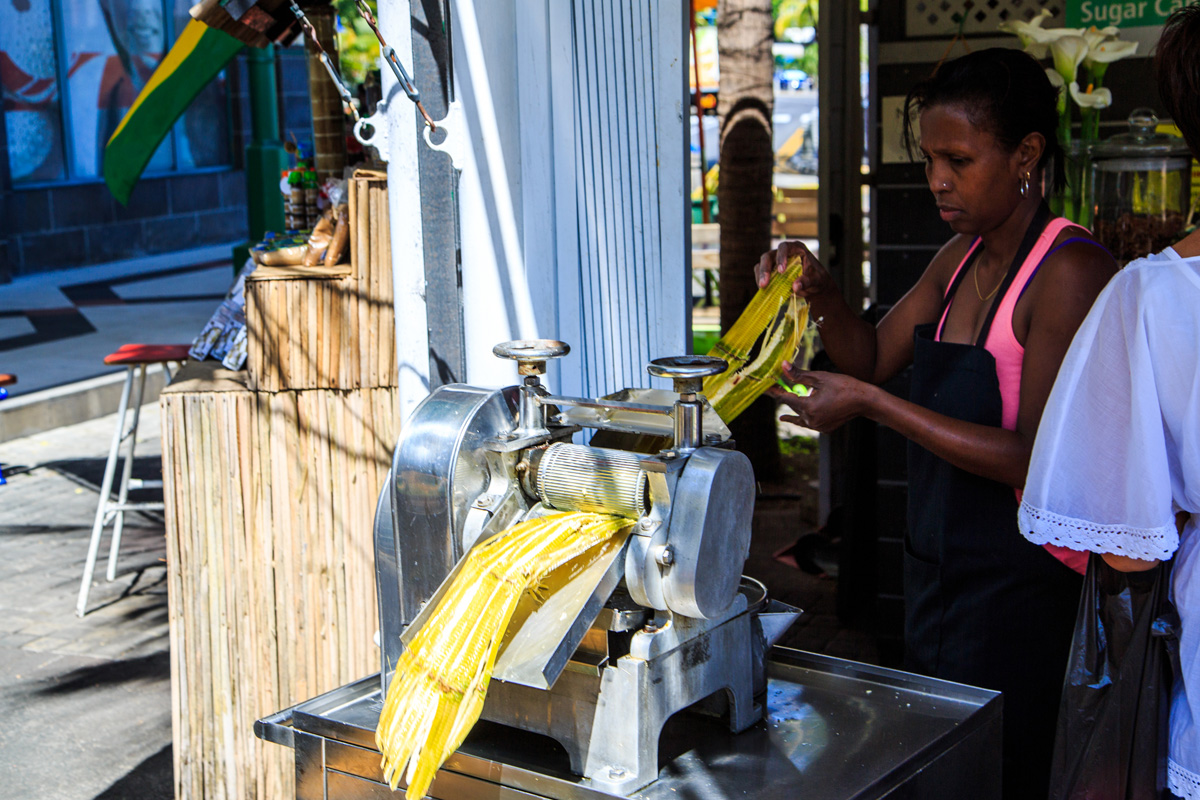 Making sugarcane juice