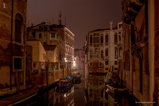 Venice night walk Wallpaper