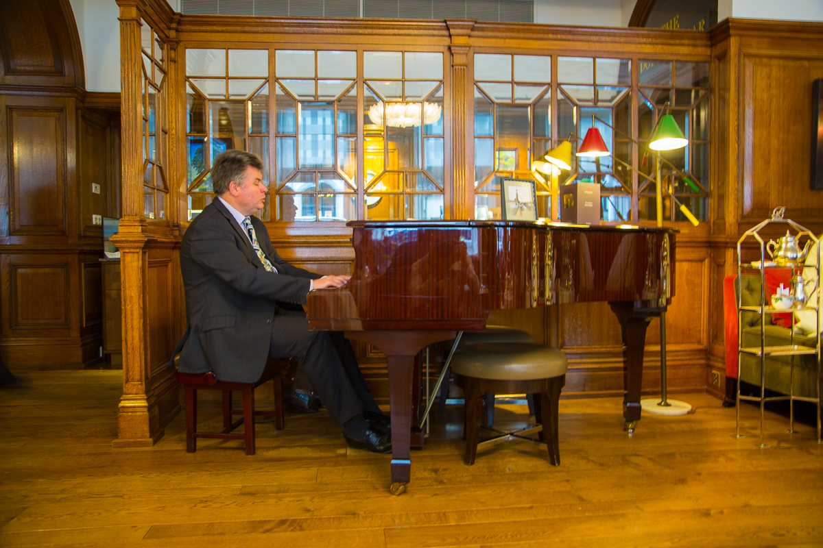 Piano player in Brown's Hotel