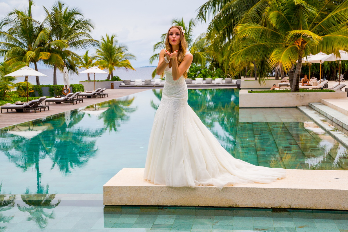 Beautiful bride at Park Hyatt Hadahaa hotel