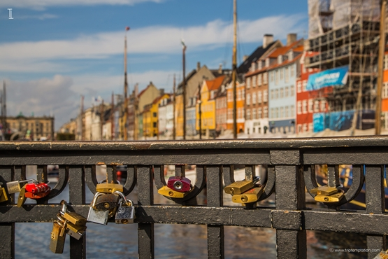 Love locks copenhagen wallpaper