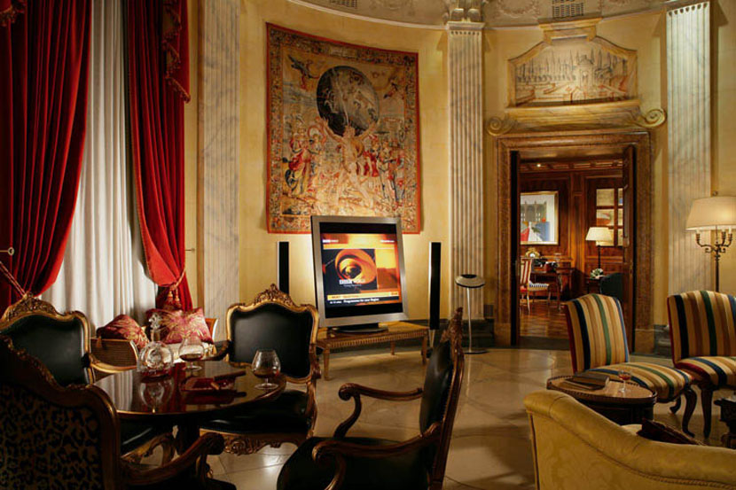 Richest luxury hotel room in Rome