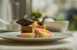 Wellington Lounge Afternoon Tea: Experiencing the Most Decadent English Tradition