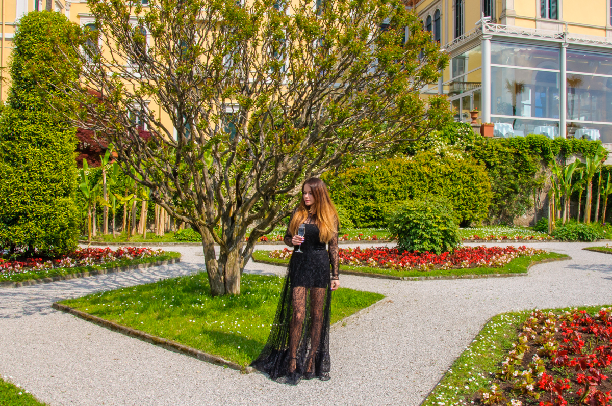 Enjoying life in Villa Serbelloni garden