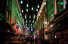Top 5 Beautifully Decorated Allelys in London this Winter Holiday