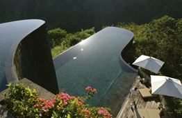 The Top 10 Infinity Swimming Pools Around the World