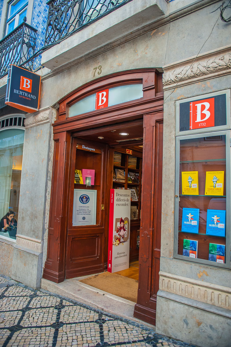 Oldest bookshop Lisbon Guinness World records