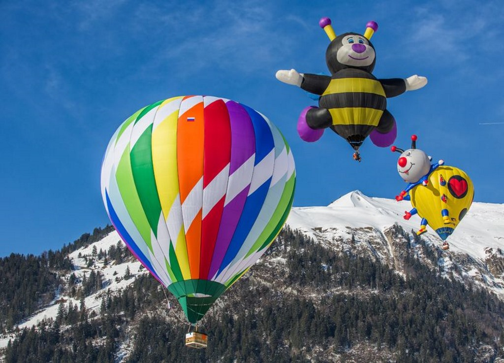 Winter adventure hot air balloon Switzerland