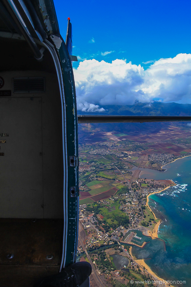 Flying over Oahu island, parachute jumping