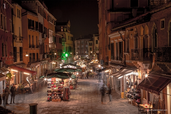 Venice night market Wallpaper