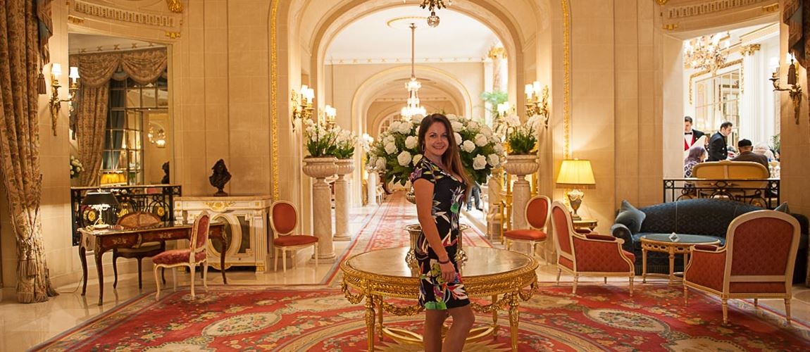 The main lobby of Ritz London
