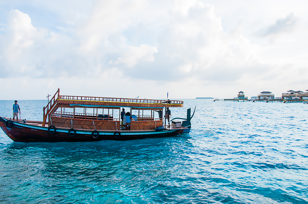Transfer boat Maldives